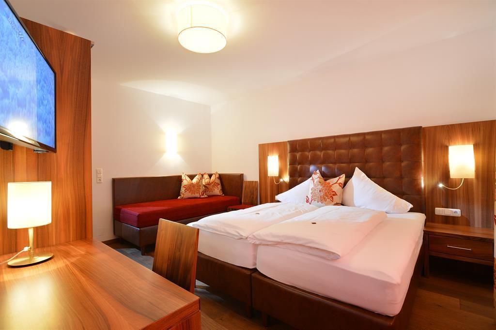 gasthof skirast kirchberg in tirol. Black Bedroom Furniture Sets. Home Design Ideas