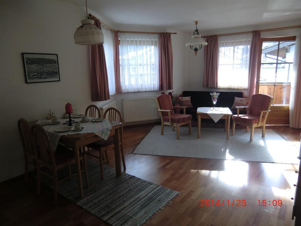 Slaapkamer Televisie : , Woon-/ slaapkamers gescheiden, Balkon ...