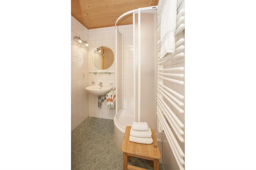 Outdoor Dusche Warmwasser : Dusche Offen Kalt : Kalt und Warmwasser, Fu?ende der Betten offen