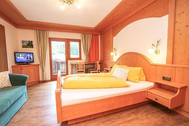 Dusche barrierefrei din raum und m beldesign inspiration - Wohnzimmerwand grun ...