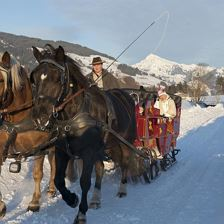 Romantic Sleigh Ride to a Traditional Inn