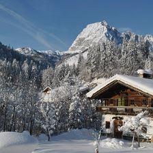 Emplhof-Abend in Tiroler Atmosphäre mit Spezialitäten vom Buffet