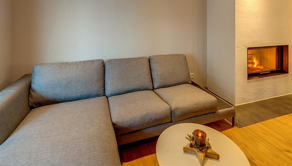 das luis oberndorf in tirol. Black Bedroom Furniture Sets. Home Design Ideas