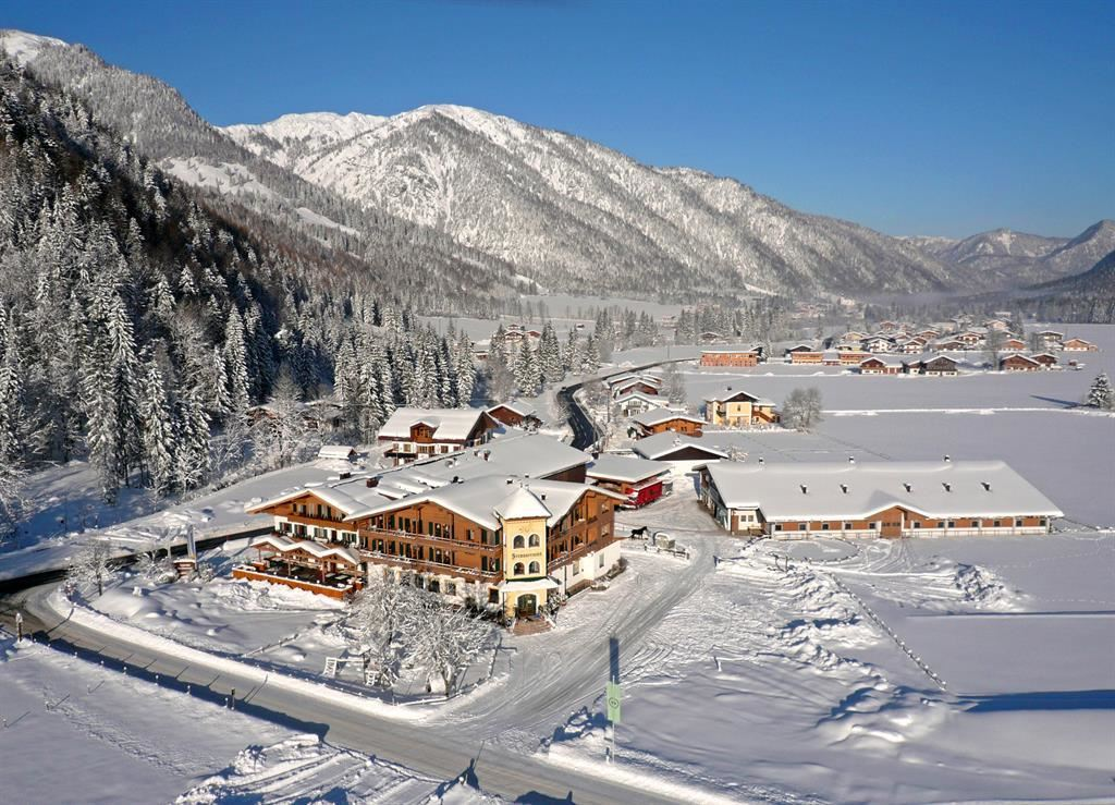 Hotelanlage im Winter