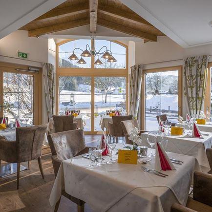 urlaub kitzb heler alpen skifahren wandern langlaufen tirol hotels sterreich. Black Bedroom Furniture Sets. Home Design Ideas