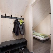 pure mountain BASE two . Garderobe