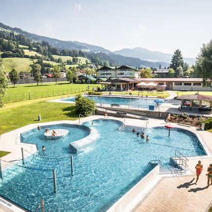 Bathing lake / swimming pool Brixen