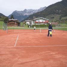 Tennis courts in Warming