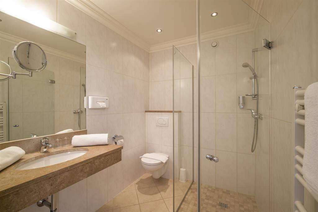 Einzelzimmer Mit Dusche, WC ...