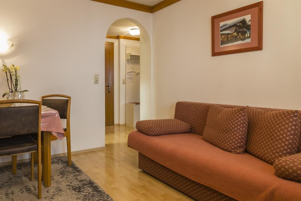 Apartment seibl st johann in tirol for Ausziehbare couch