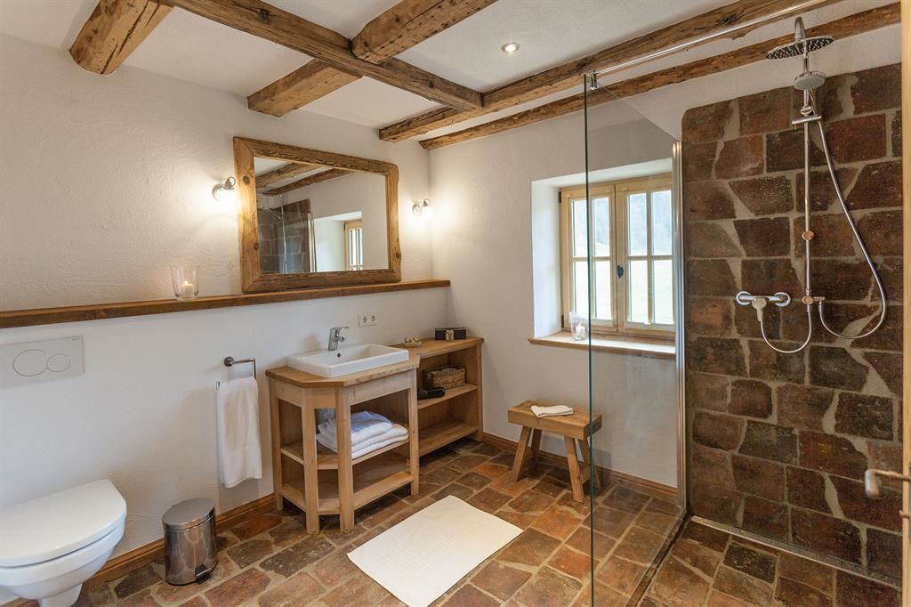 ... Holiday Home, Shower And Bath, Toilet, 3 Bed Rooms ...