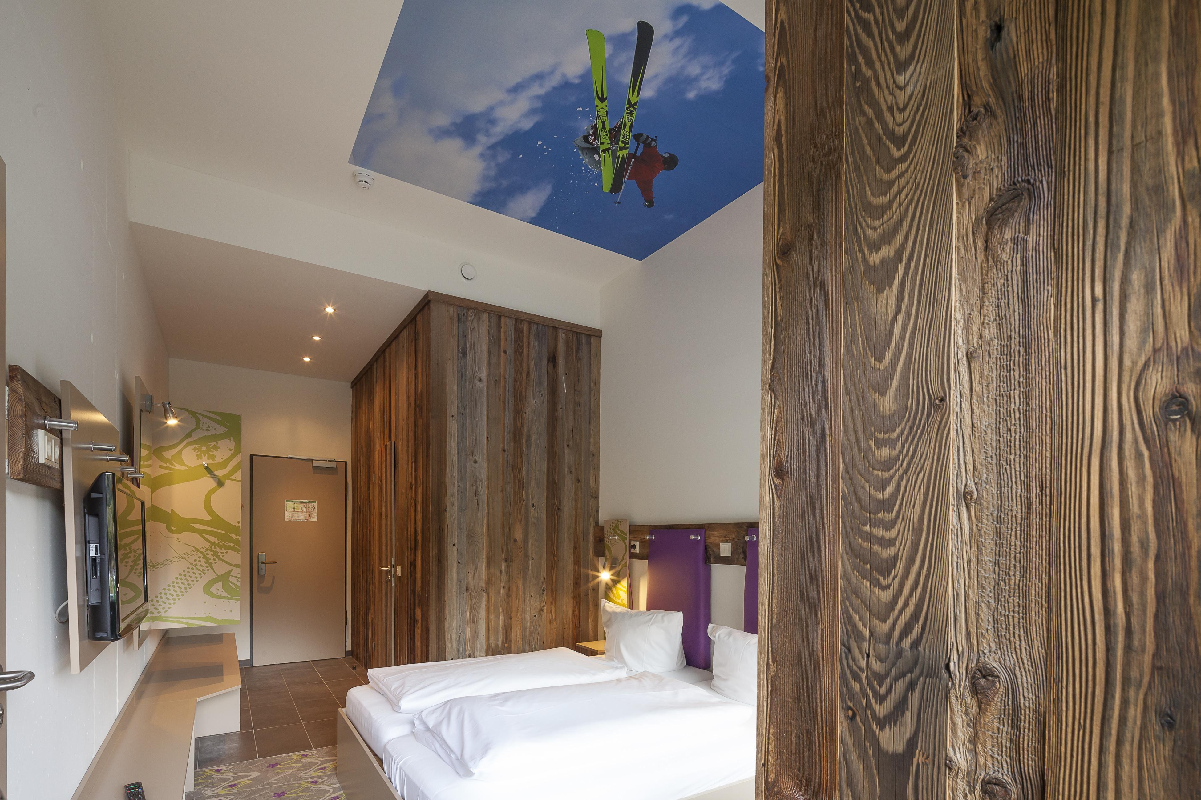 Camera doppia, doccia, WC, 1 camera da letto