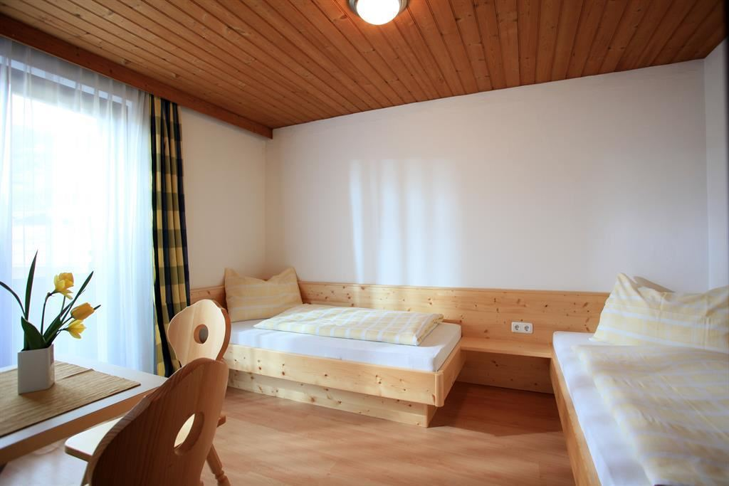 g stehaus jordan kirchberg in tirol. Black Bedroom Furniture Sets. Home Design Ideas
