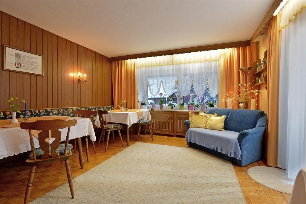 haus gratt itter. Black Bedroom Furniture Sets. Home Design Ideas