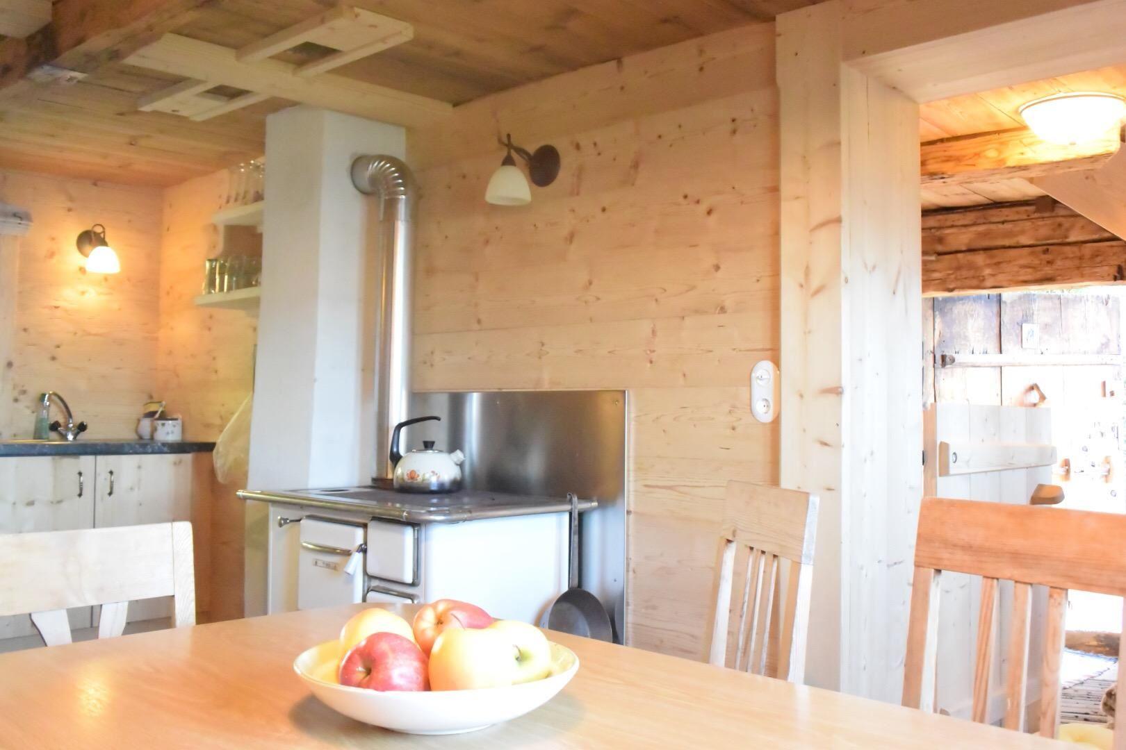 Gemütlich Kleine Hütte Küche Bilder Zeitgenössisch - Küche Set Ideen ...
