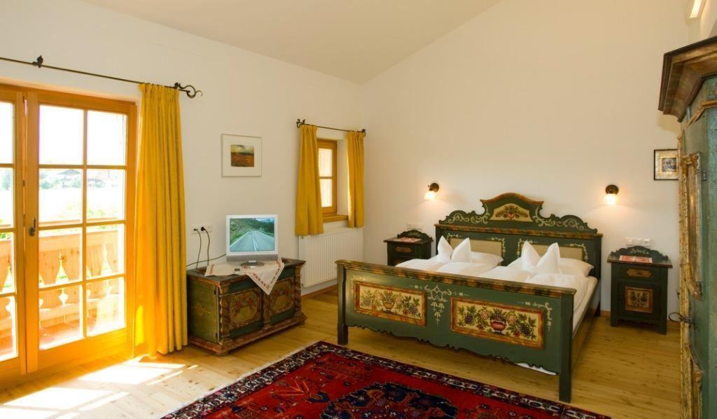 landhaus schwarzinger st johann in tirol. Black Bedroom Furniture Sets. Home Design Ideas