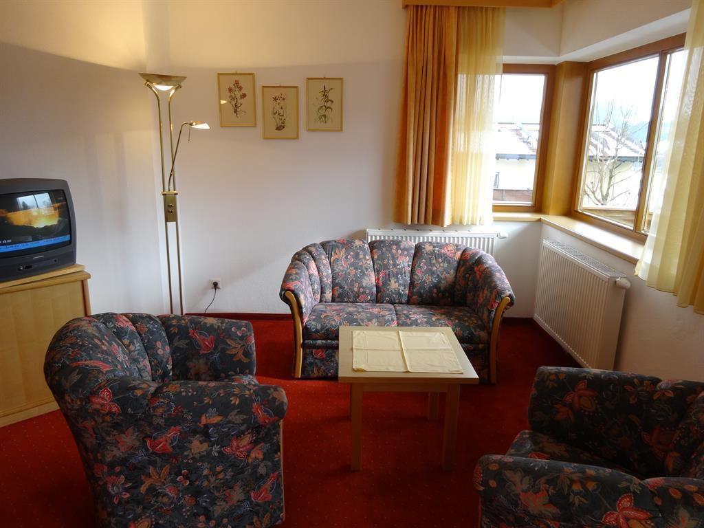 Landhotel pension eva   kirchberg in tirol