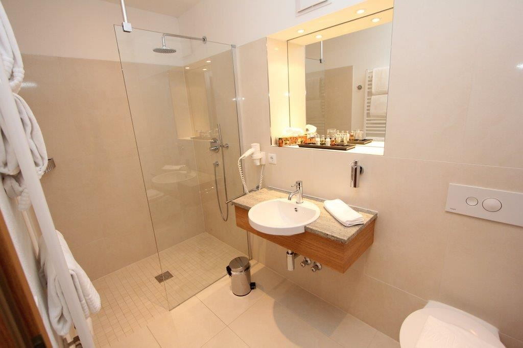 Dusche Offen Kalt : Betten, teilweise Zustellbett oder Kinderbett m?glich, Dusche