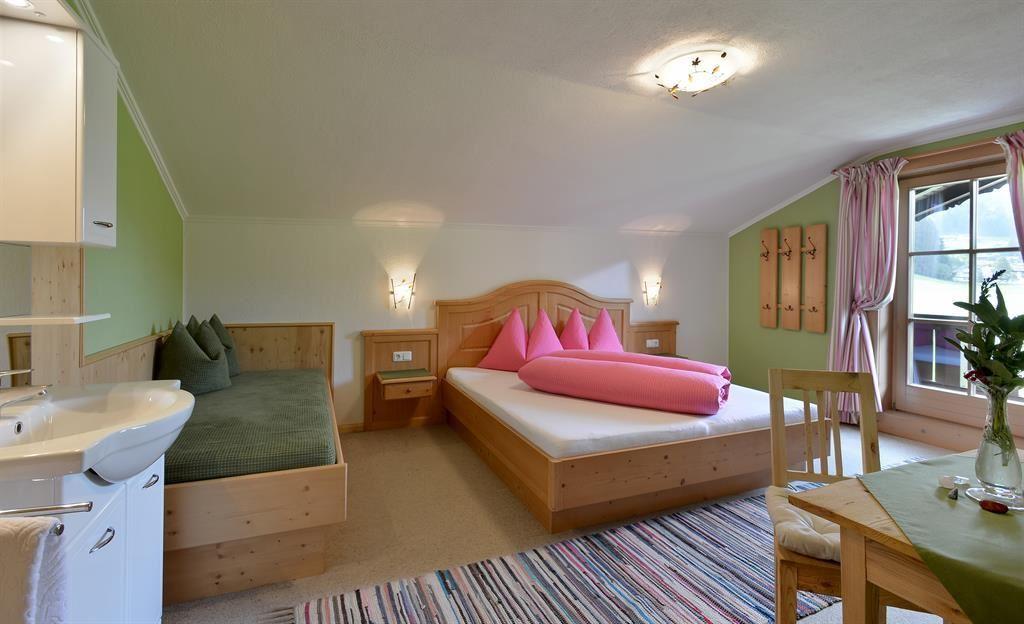 wanderspass in kirchberg obertann. Black Bedroom Furniture Sets. Home Design Ideas