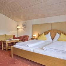 Hotel suite, shower or bath, toilet, 2 bed rooms