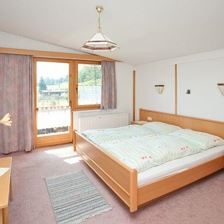 Holiday home, shower or bath, toilet, 4 or more bed rooms