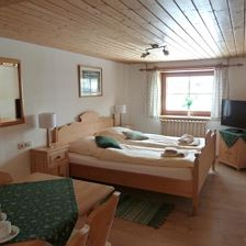 Suite with four beds, shower/WC