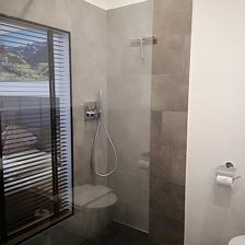 Double room, shower, toilet, no smoker