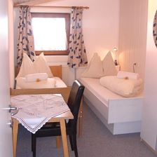 suite with double room, bath, 2 extr